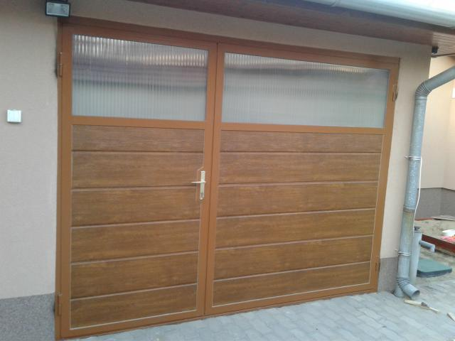 Szigetelt fém garázs ajtó
