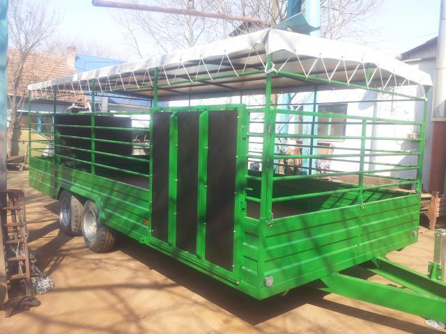 600x250 állatszállító traktor után